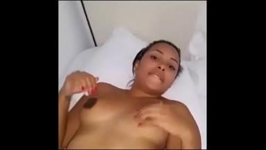 Video fuitée de la fille du gouverneur entrain de se masturber