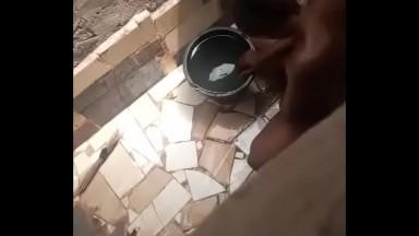 Camera cachee, la villagoise se masturbe durant la sa douche