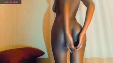 Aimes tu les petites salope noire comme je les aime?