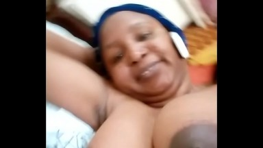 Video whatsapp fuité d'une grande dame