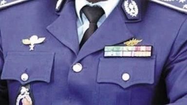 Un gendarme vient en aide aux orphelins pour ne pas que ses images intimes soient publiées